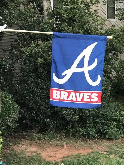 braves-flag-w-pole